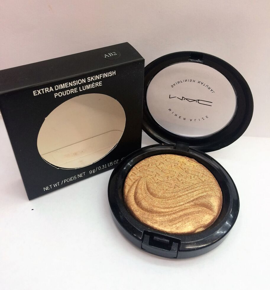 M-A-C AB2 extra dimension skinfinish poudre lumiere